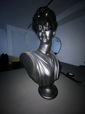 CB2 / Judy statue for Sale in Los Angeles, CA