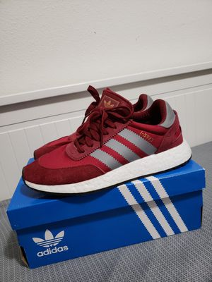 Adidas i5923 Burgundy size 8.5 for Sale in Seattle, WA