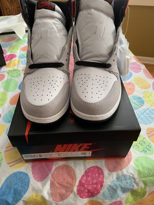 Jordan 1 smoke grey! Size 6gs!!! 260! Comes with receipt! for Sale in Chicago, IL