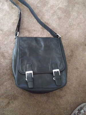 Kenneth Cole Leather Bag for Sale in Las Vegas, NV
