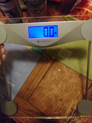 ETEKCITY body weight scale NEW for Sale in Tulsa, OK