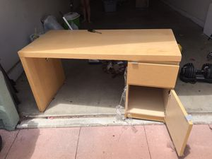 Free desk for Sale in Arroyo Grande, CA
