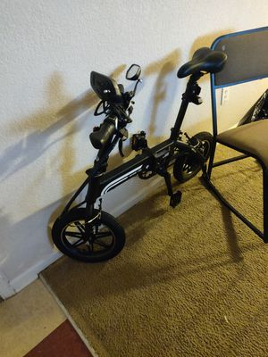 Swagtron EB-5 Electric Bicycle for Sale in Union charter Township, MI