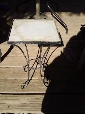 3 small tables for Sale in Fresno, CA