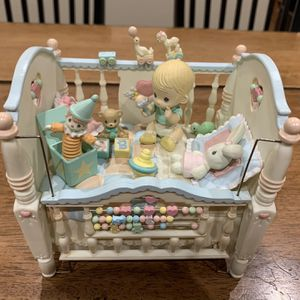 "Enesco 1993 Precious Moments Expressions ""Heaven Bless You"" Musical Crib Works for Sale in Newark, CA"