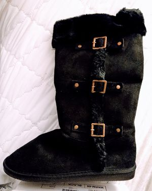 Triple buckle Furry boot for Sale in Puyallup, WA