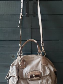 Coah Kristin Leather Domed Satchel 19296 for Sale in Newport Beach,  CA