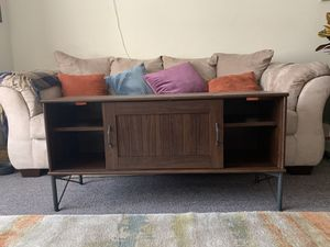 Brown TV Stand. Good condition for Sale in San Francisco, CA