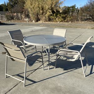 Round Table 4 Chair Patio Set With 2 Small Round Tables for Sale in Fairfield, CA