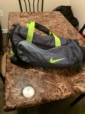 Nike duffle bag for Sale in Tampa, FL