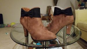 Brown with Black Bowtie at top for Sale in Millersville, MD