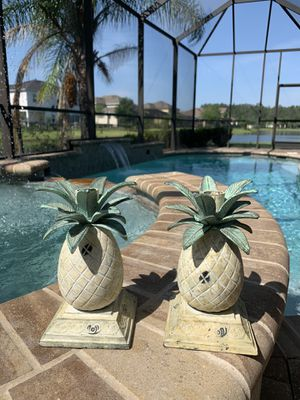 Tropical Pineapple Candle Holder Set By Tommy Bahama for Sale in Jacksonville, FL