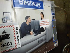 Best way queen size air mattress. for Sale in Lebanon, IN