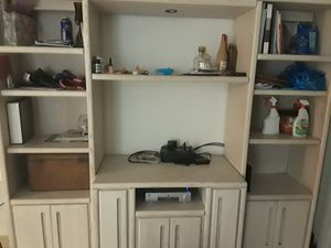 Free wall unit for Sale in Miami, FL