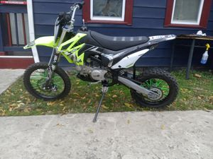 2020 thumpstar dirt bike for Sale in Cleveland, OH