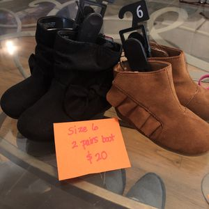 2 Brand New girls boots size 6 for Sale in Denver, CO