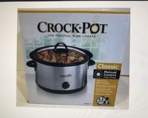 NEW IN BOX: CLASSIC CROCK POT 4.5 slow cooker for Sale in Delray Beach, FL