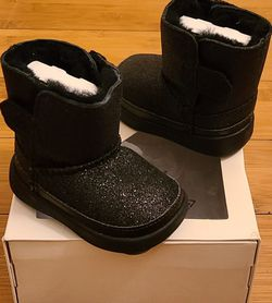 Baby Glitter UGG Boots Size 2/3 Toddlers. for Sale in Compton,  CA