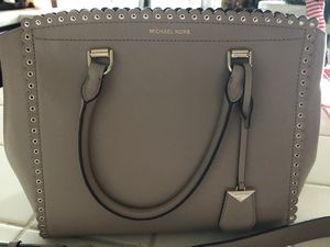 Michael Kors purse (Brand New) for Sale in Bakersfield, CA