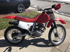 2002 Honda XR200R Dirt Bike for Sale in Chicago, IL