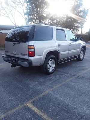 2005 Chevy Tahoe LT. Third Row of Seats. DVD System for Sale in Aurora, IL