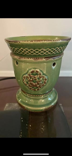 Scentsy Celtic Knot Wax Warmer (Retired) for Sale in Vienna, VA