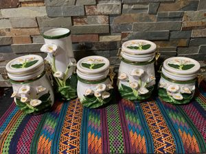 Decorative Kitchen storage containers (set) for Sale in Las Vegas, NV