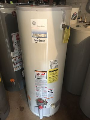 GE 40 50 gallon water heater. Works great. Can be combined with delivery or install for a additional fee. for Sale in Philadelphia, PA