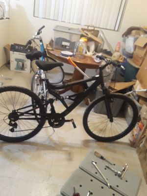 Men's mountain bike for Sale in Fresno, CA