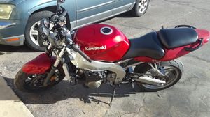 Kawasaki motorcycle 600 zzr 2007 for Sale in Phoenix, AZ