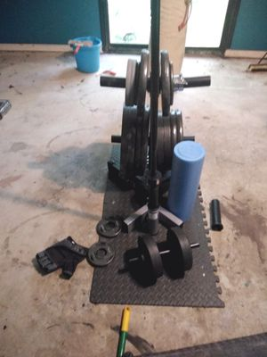 Weight lifting/ workout equipment for Sale in Kennesaw, GA