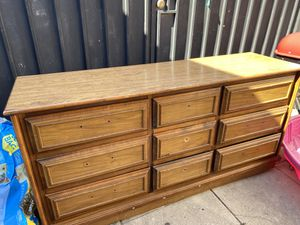 9 Drawers Dresser, 2 night corner drawers for Sale in Los Angeles, CA