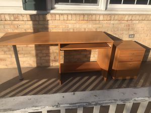 Office/Computer Desk with slide out keyboard tray for Sale in Warrenton, VA