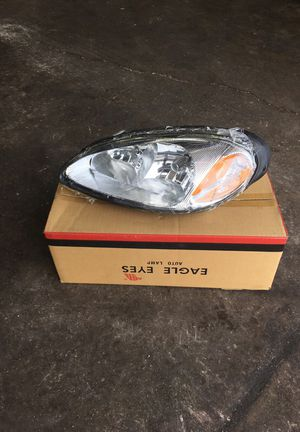 2009 Pontiac G3 headlight for Sale in Washington, DC