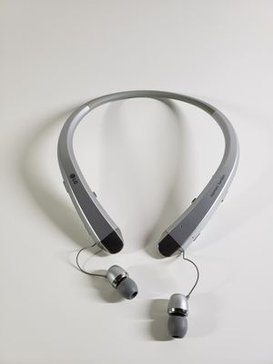 LG HBS-910.ACUSSVI Tone Infinim Bluetooth Stereo Headset Silver for Sale in Los Angeles, CA