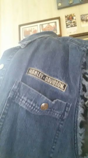 Harley Davidson sleevles Jean jacket for Sale in Reidsville, GA