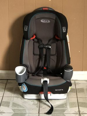 PRACTICALLY NEW GRACO NAUTILUS CONVERTIBLE CAR SEAT 3 in 1 for Sale in Jurupa Valley, CA