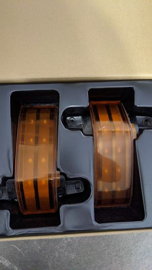 2015 GMC Sierra OEM Running Lights Amber for Sale in Orlando, FL