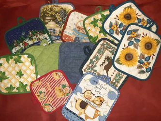 Kitchen Pot Holders Bundled for Sale in Columbus,  OH