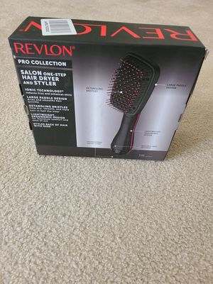 Revlon Salon One Step Dryer and Styler for Sale in Cary, NC