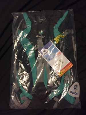 Dueter Pace 28 sl Hiking Backpack for Sale in Everett, WA