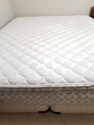 Cal king mattress with twin box springs for Sale in San Jose, CA