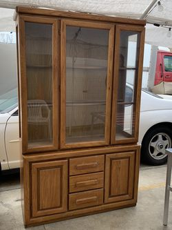 China Cabinet Or Dresser for Sale in Baldwin Park,  CA