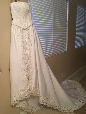 Michaelangelo Wedding Dress Size 4 for Sale in Fontana, CA