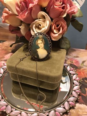 Gorgeous!! Vintage Victorian Cameo Girl Necklace!!! for Sale in Gainesville, VA