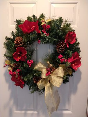 Christmas wreath with gold bow for Sale in Neenah, WI