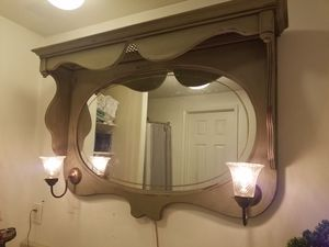 Mirror with lights for Sale in Cheney, KS