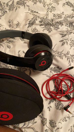 beats solo 2 wireless for Sale in Parkland, FL