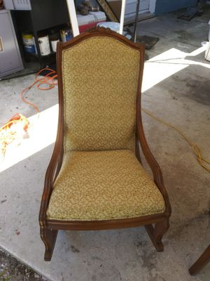 Antique chair for Sale in Ocoee, FL
