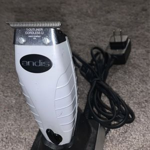 Andis Trimmer for Sale in West Covina, CA